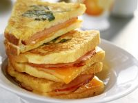 Schinken-Käse-Toasts in Ei gebraten
