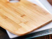 Schneidebrett: Holz, Kunststoff oder Glas?