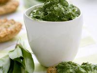 Schnelle Crostini mit Pesto Rezept