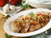 Schnitzel nach Jäger-Art mit Champignons und Paprika Rezept