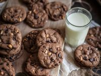 Schoko-Cookies mit Nüssen Rezept
