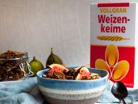Schoko-Granola mit Walnüssen, Weizenkeimen und Feigen Rezept