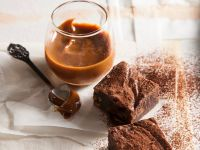 Schokoladenkuchen mit Dulce de leche Rezept