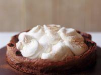 Schokoladenkuchen mit Sahnehaube Rezept