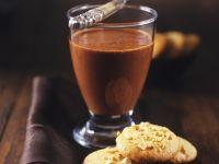 Schokoladenmousse mit Haselnussplätzchen Rezept