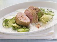 Schweinefilet auf Gurken-Ingwer-Salat Rezept