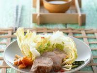 Schweinefilet mit fruchtigem Salat Rezept
