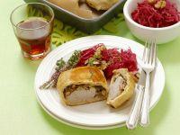 Schweinefilet mit Pilzen in Teighülle Rezept