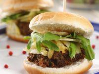 Schweinefleisch-Burger mit Parmesan Rezept