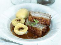 Schweinekrustenbraten mit Kartoffelklößen Rezept