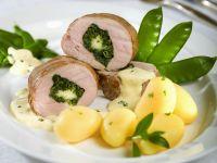 Schweinelende mit Spinat gefüllt dazu Kartoffeln Rezept