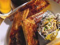 Schweinerippen mit Folienkartoffel Rezept