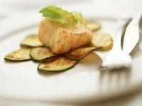 Seeteufelfilet mit Zucchinihobeln und Zucchinisoße Rezept