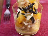 Selleriesalat mit Orangen und schwarzen Oliven Rezept