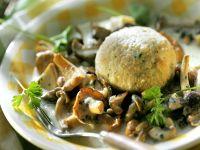 Semmelknödel mit Pilzsauce Rezept