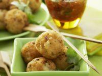 Shrimps-Kokos-Bällchen mit Chilidip Rezept