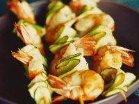 Shrimps-Spieße mit Zucchini Rezept