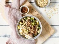 Sojaquark mit Apfel, Kiwi und Haferflocken Rezept