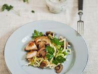 Spätzlepfanne mit Hähnchen und Pilzen Rezept