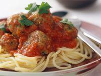 Spaghetti mit Fleischbällchen und Tomatensoße Rezept