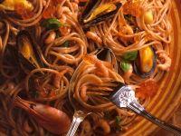 Spaghetti mit Meeresfrüchten und Keta-Kaviar Rezept