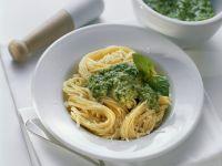 Spaghetti mit Pesto verde Rezept