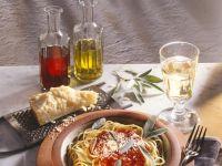 Spaghetti mit Tomatensauce Rezept