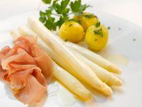 Spargel mit Kartoffeln und Schinken Rezept