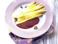 Spargel mit Rotweinsauce Rezept