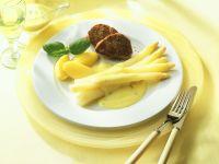 Spargel mit Schweinemedaillons und Sauce Hollandaise Rezept