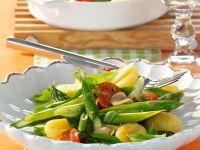 Spargelpfanne mit Tomaten und Gnocchi Rezept