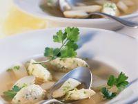 Spargelsuppe mit Grießnockerl