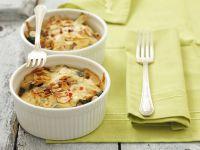 Spinatgratin mit Käse und Mandeln Rezept
