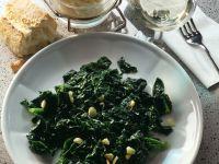 Spinat mit Knoblauch und Zitronensaft Rezept