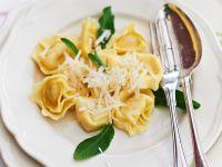 Spinat-Ricotta-Ravioli in Orangen-Salbei-Butter Rezept