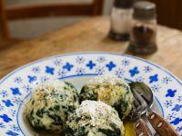 Spinatknödel mit zerlassener Butter Rezept