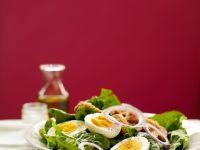 Spinatsalat mit Thunfisch und Ei Rezept
