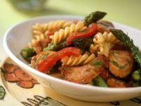 Spirelli mit Hähnchen, grünem Spargel und Paprika Rezept
