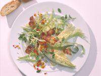 Spitzkohlsalat mit geröstetem Speck Rezept