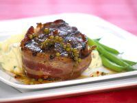 Steak mit Baconmantel Kartoffelpüree und grünen Bohnen Rezept