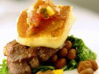 Steak mit Bohnen und Käse Rezept