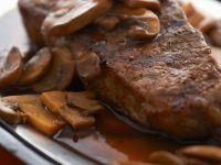 Steak mit Champignonsauce Rezept