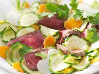 Steak-Streifen mit Gemüsesalat Rezept