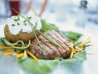 Steak und Backkkartoffel mit Kräuterquark Rezept