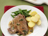 Steak vom Kalb dazu Kartoffeln, Bohnen und Salbei-Zitronen-Soße Rezept