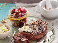 Steaks mit Steinpilzsalz und Meerrettichdip Rezept