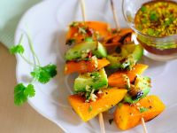 Asia-Kürbis-Spieße mit Avocado vom Grill