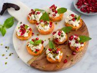 Süßkartoffel-Canapés mit Ziegenkäse-Dip Rezept