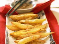 Süßkartoffel-Pommes mit Sesamdip Rezept