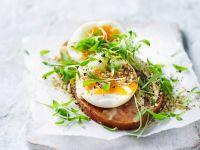 Süßkartoffel-Toast mit Cashew-Aufstrich und Ei Rezept